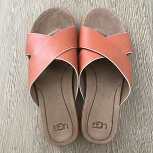 🌸 UGG Orange Leather Flat Sandals 🌸